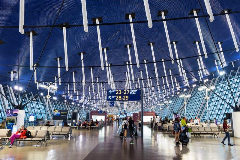 passengersin Shanghai Pudong lotnisko zdjęcia stock