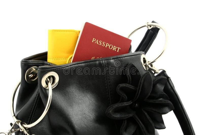Passeport dans un sac photographie stock libre de droits