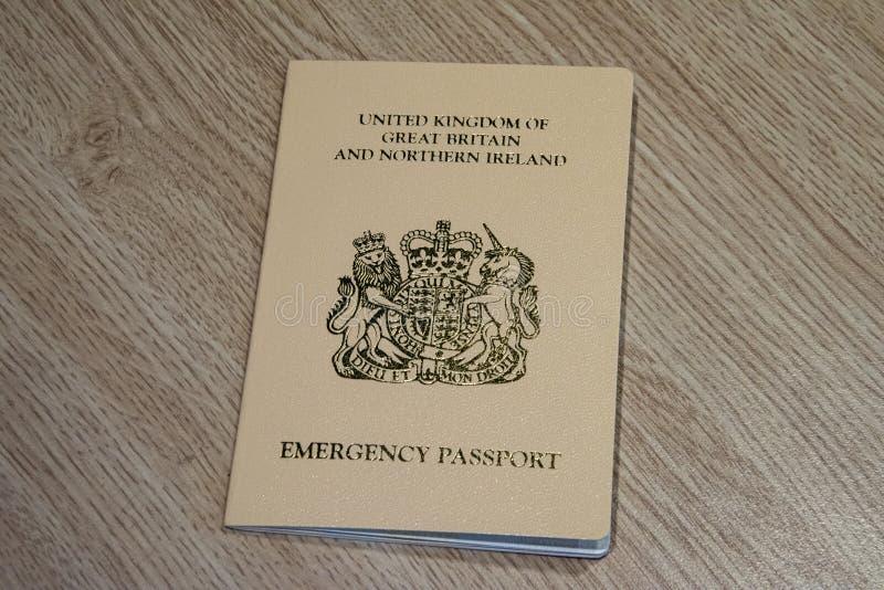 Passeport de secours fourni à un citoyen BRITANNIQUE par le consulat BRITANNIQUE dedans photographie stock