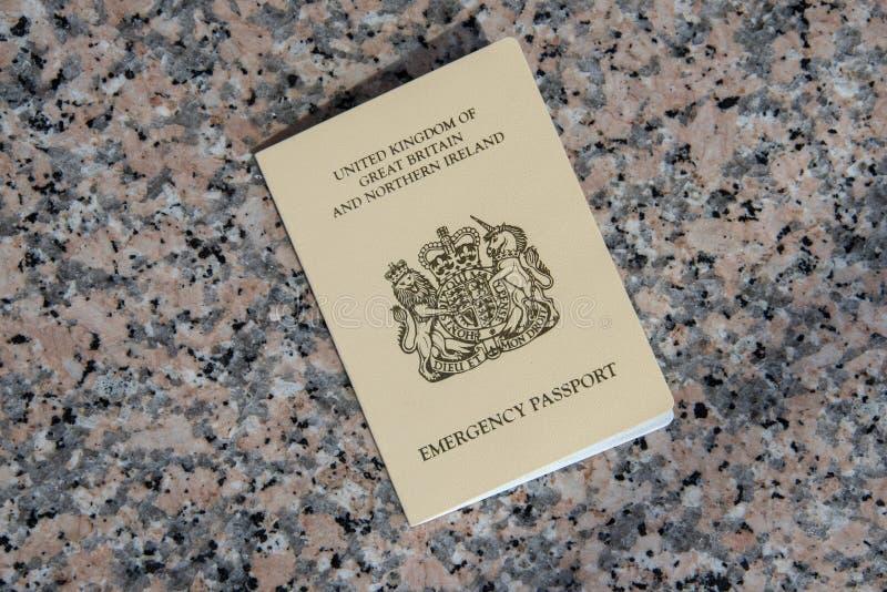 Passeport de secours fourni à un citoyen BRITANNIQUE par le consulat BRITANNIQUE dedans image libre de droits