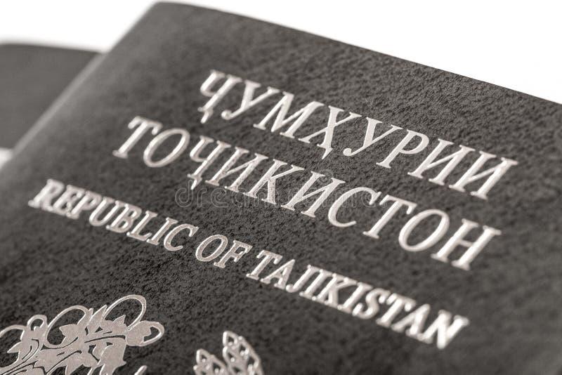 Passeport du citoyen de la république du Tajikistan en voyageant à l'étranger photo libre de droits