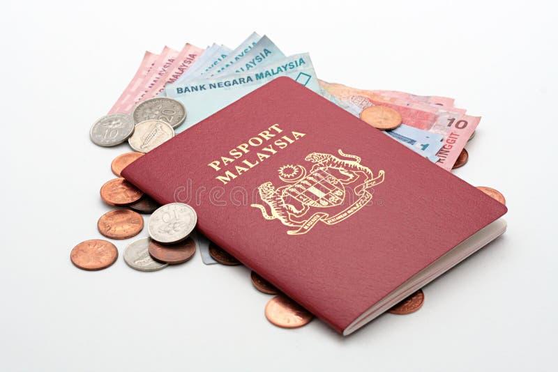 Passeport et argent comptant photo libre de droits