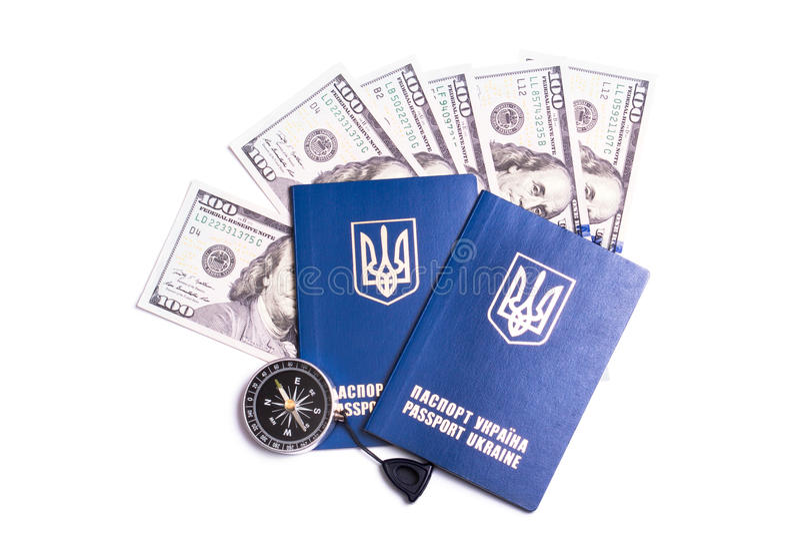 Passeport ukrainien de voyage avec des dollars images libres de droits
