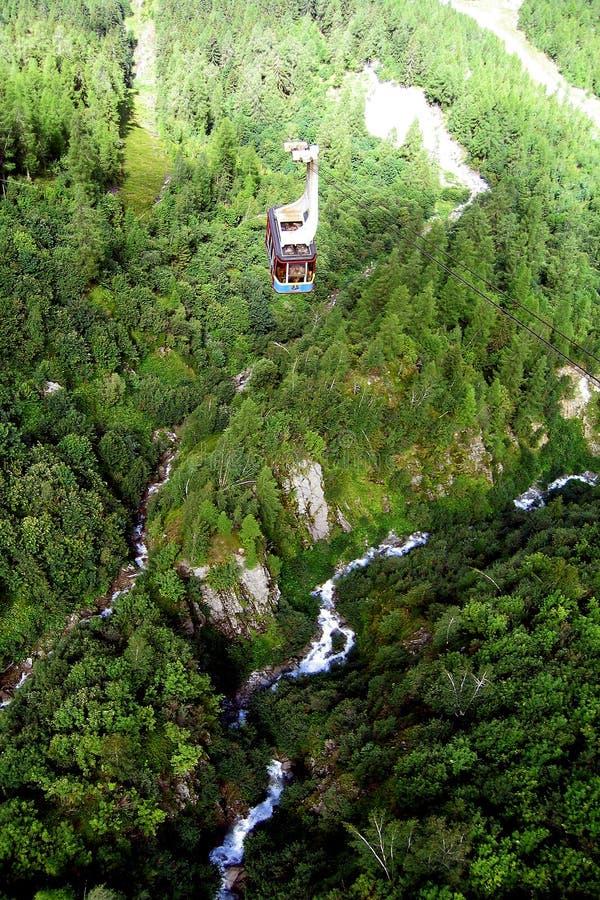 Soulevez en montagnes de Chamonix photographie stock libre de droits