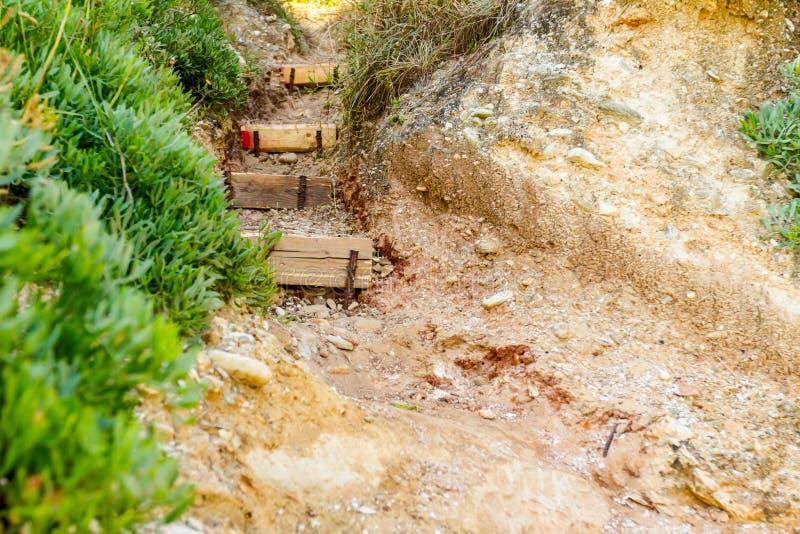 Passera med uppför trappan för att sätta på land till och med vagga arkivfoto