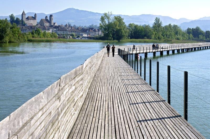 Passerella di Pfaffikon sopra il lago Zurigo, Svizzera fotografia stock