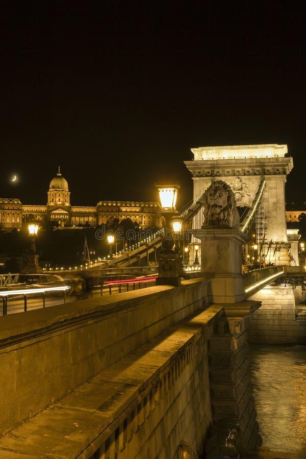 Passerelle à chaînes de Szechenyi à Budapest photo stock