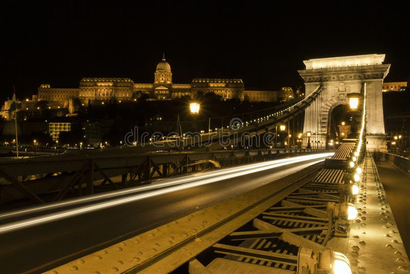 Passerelle à chaînes de Szechenyi à Budapest images stock