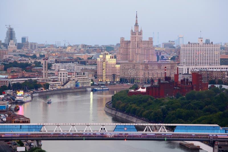 Passerelle au centre international d'affaires de Moscou photo libre de droits