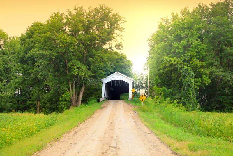 Passerelle couverte en Indiana image libre de droits