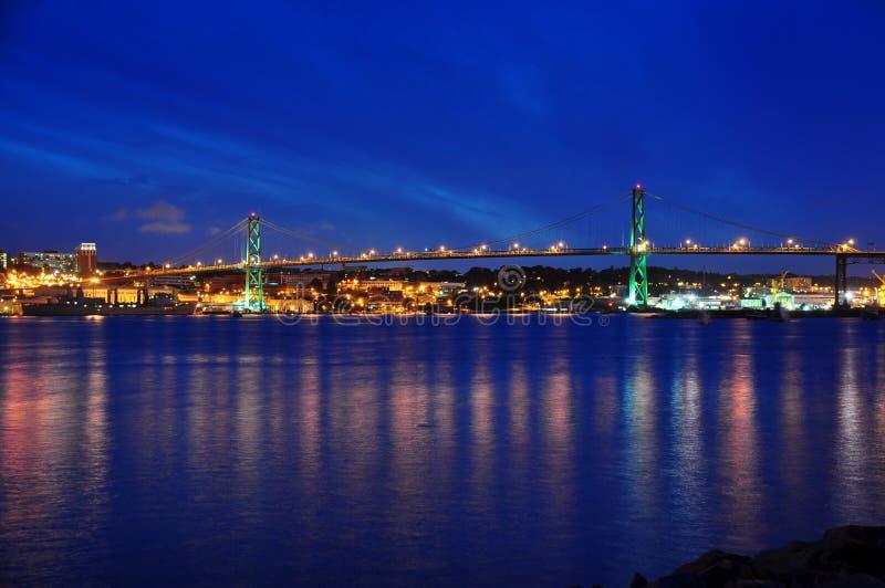Passerelle d'Angus L. Macdonald à Halifax photos libres de droits
