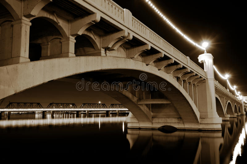 Passerelle d'avenue de moulin de Tempe Arizona photographie stock