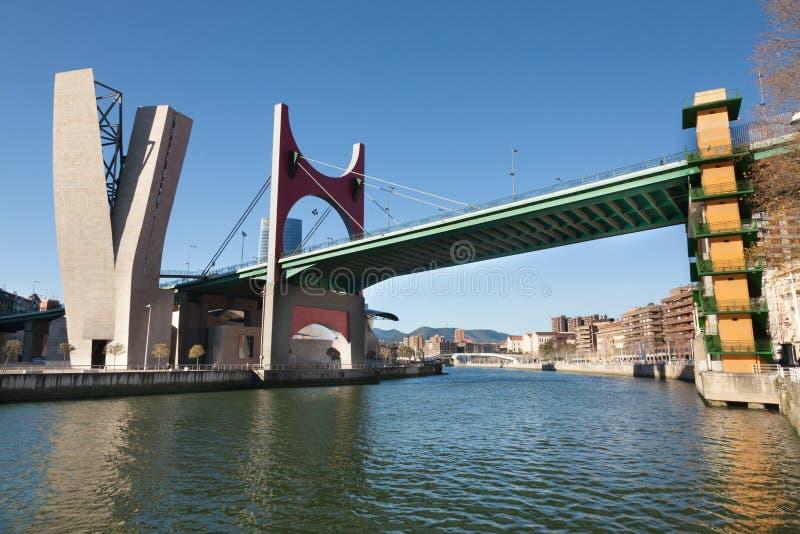 Passerelle d'onguent de La à Bilbao, Espagne photos stock