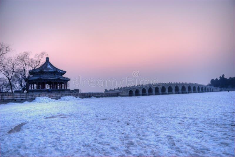 passerelle de 17 voûtes dans le coucher du soleil photographie stock libre de droits