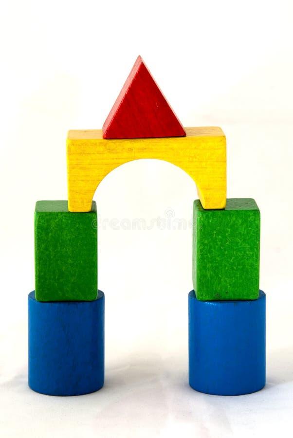 Passerelle de blocs en bois images libres de droits
