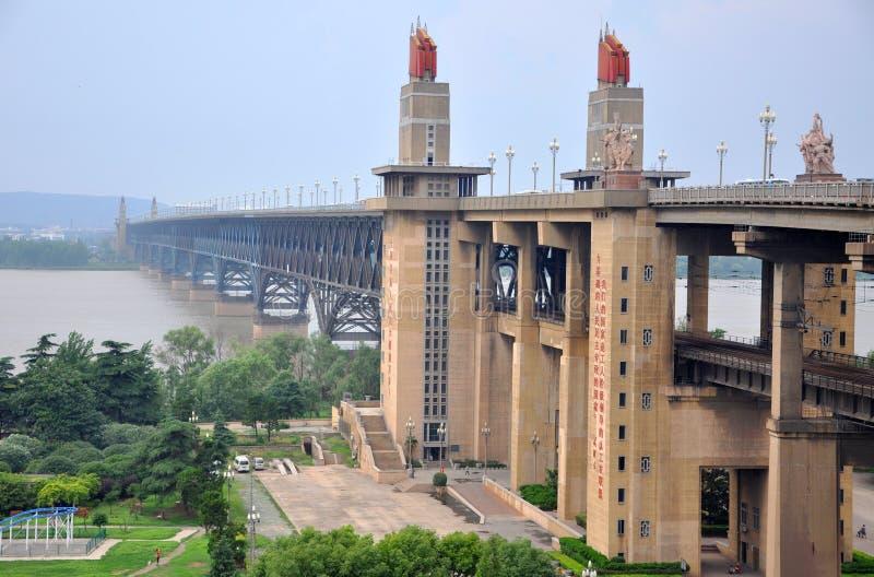 Passerelle de fleuve de Nanjing le Yang Tsé Kiang images libres de droits