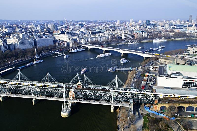 Passerelle de Hungerford vue de l'oeil de Londres photographie stock