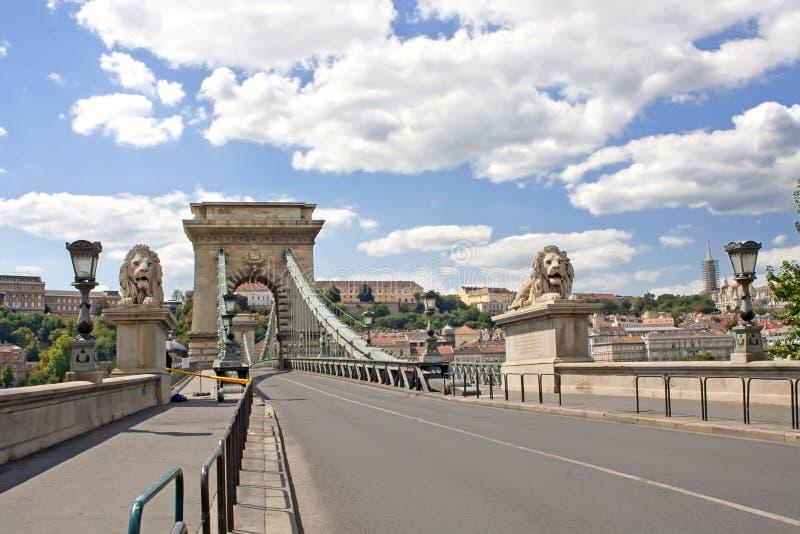 Passerelle de lion à Budapest photos stock
