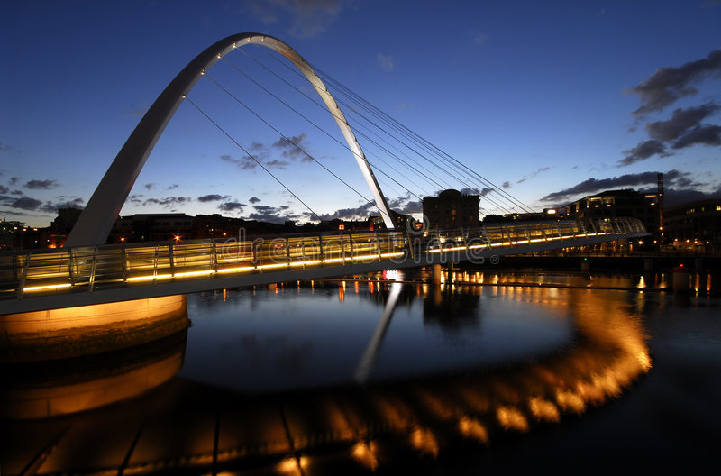 Passerelle de millénium de Gateshead photographie stock libre de droits