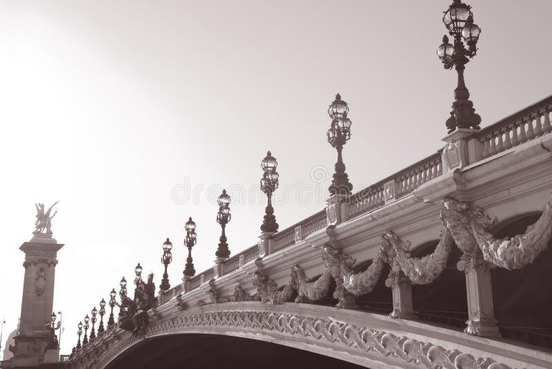 Passerelle de Pont Alexandre III, Paris, l'Europe photos stock