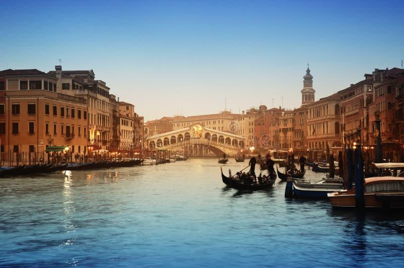 Passerelle de Rialto, Venise - Italie photos libres de droits