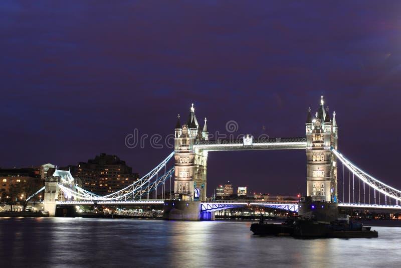 Download Passerelle De Tour à Londres Photo stock - Image du londres, europe: 45366882
