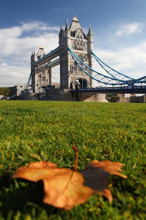 Passerelle de tour à Londres, R-U images libres de droits