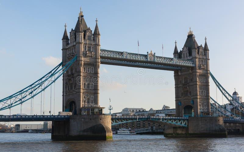 Passerelle de tour - Londres images libres de droits