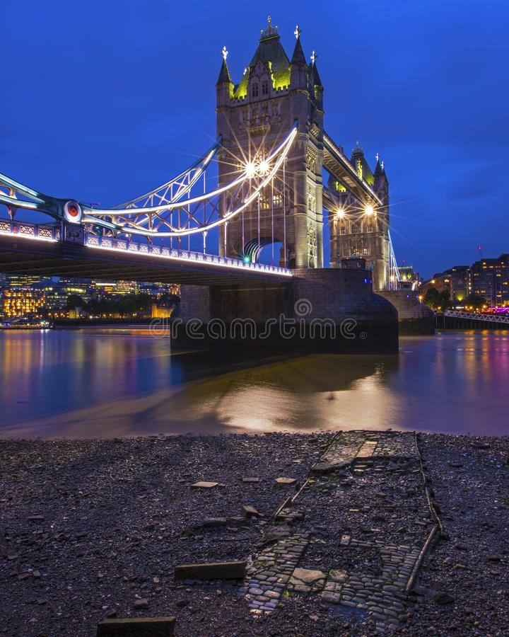 Passerelle de tour ? Londres, R-U photos stock