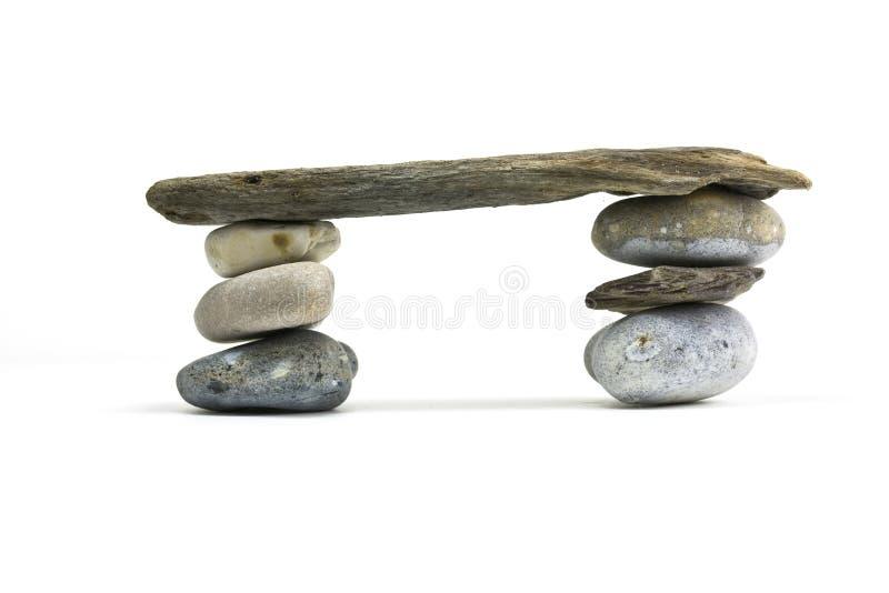 Passerelle en pierre et en bois photographie stock libre de droits