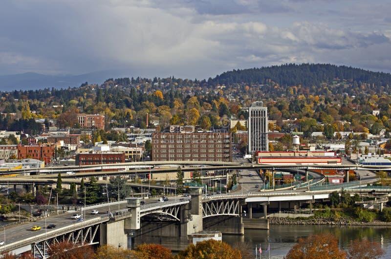 Passerelle et ville de Portland Orégon Morrison photo stock