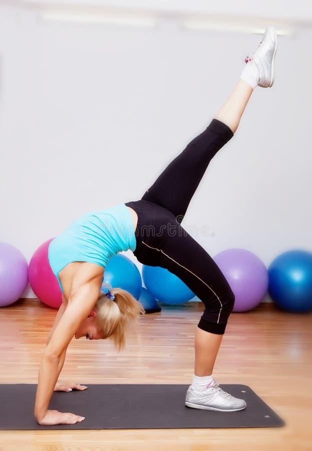 Passerelle gymnastique photo libre de droits