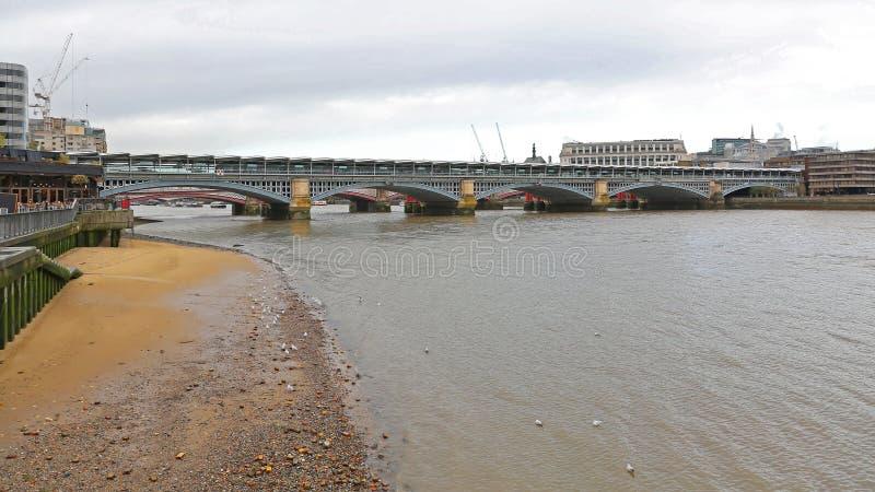 Passerelle Londres de Blackfriars photos libres de droits