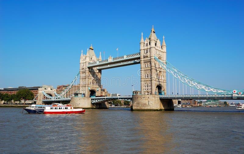 Passerelle Londres de tour photographie stock libre de droits