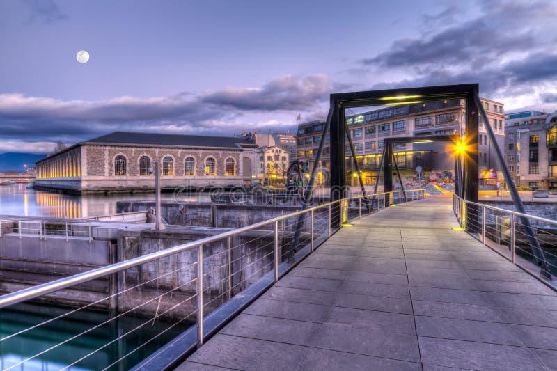 Passerelle sur le barrage de Seujet, Genève, Suisse, HDR photos libres de droits