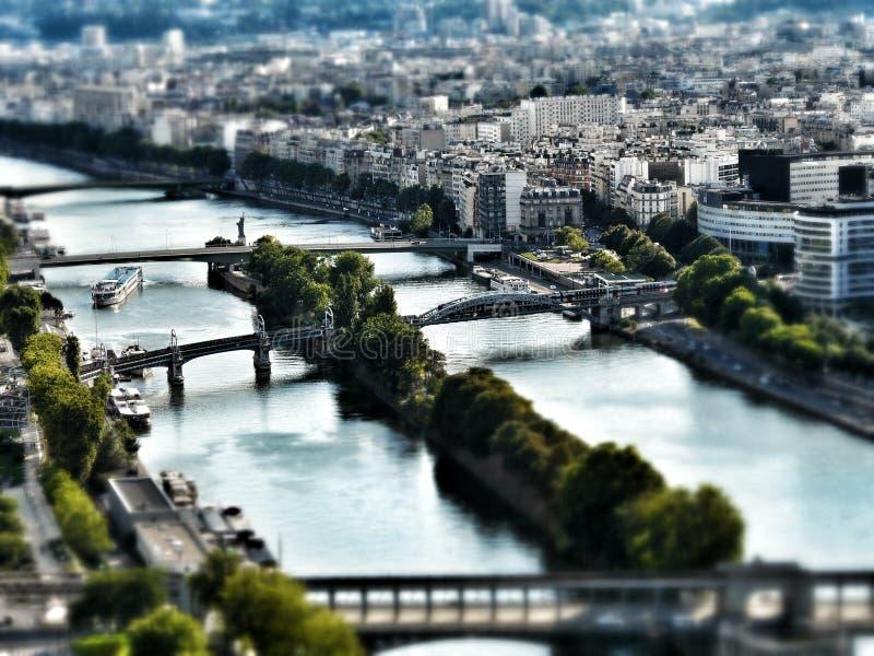 Passerelles au-dessus du fleuve Seine photo libre de droits