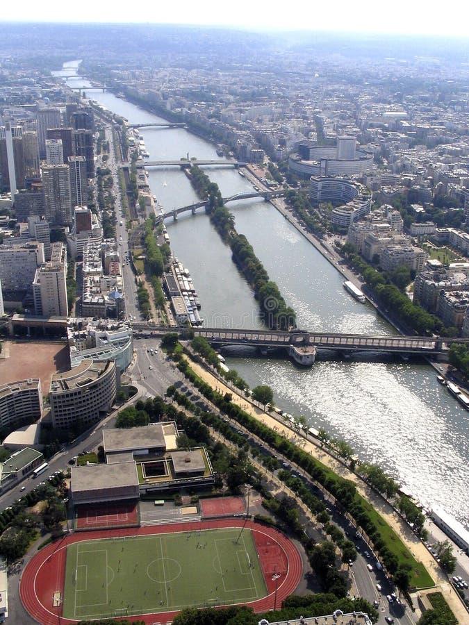 Passerelles de fleuve sena images libres de droits
