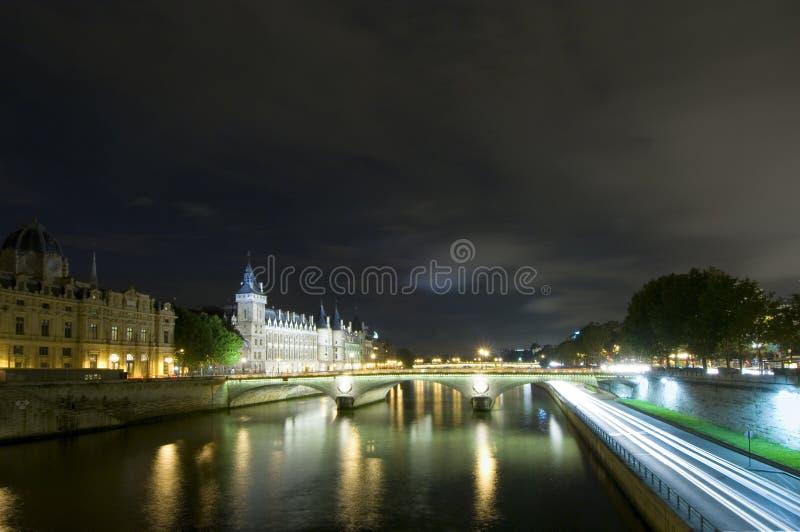 Passerelles de Seine à Paris image stock