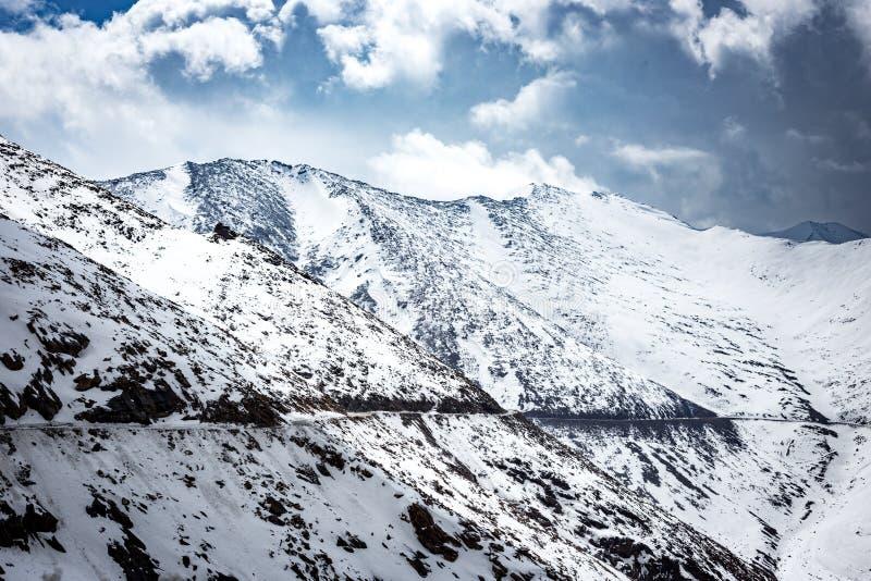 Passez à la vallée de Nubra, Ladakh photo stock