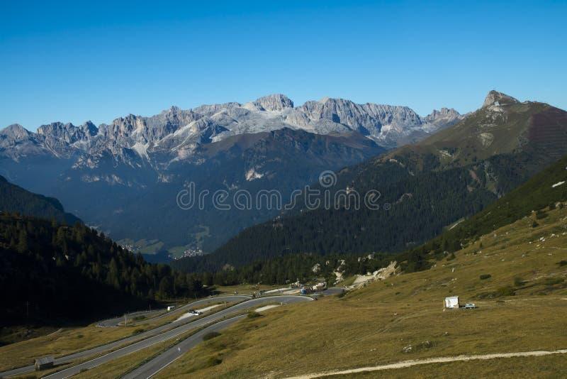 Passez Pordoi de culot Pordoi, Italie photo libre de droits