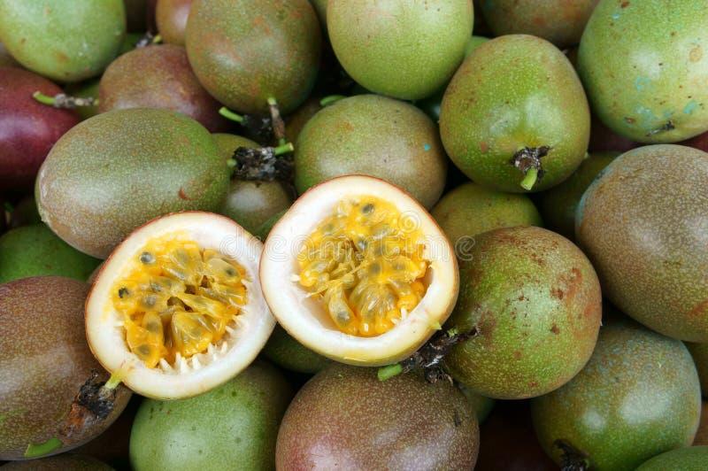 Passievrucht, vitamine C, gezond voedsel, passionfruit stock fotografie