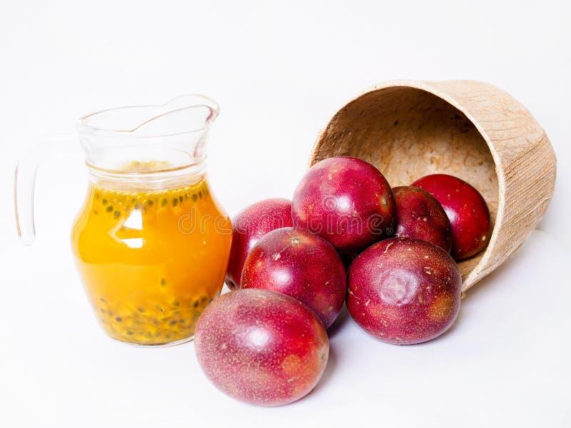 Passievrucht, Vitamine C Hoog Heerlijk en verfrissend vruchtensap stock foto's