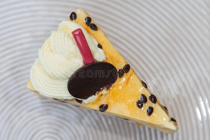 Passievruchtcake royalty-vrije stock afbeeldingen