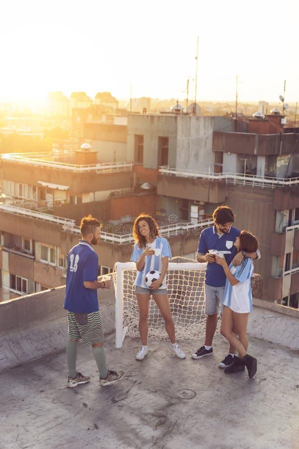 Passionés du football avant le match photo libre de droits