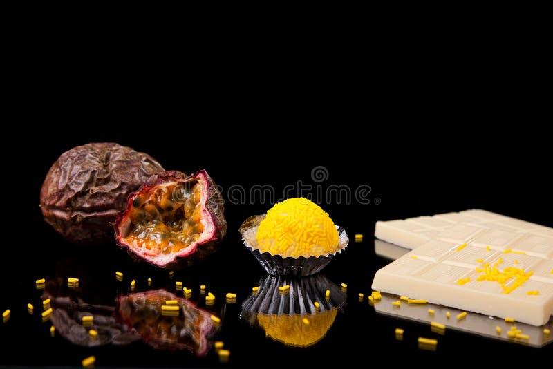 passion för brigadgeneralchokladfrukt royaltyfri bild