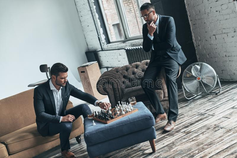 Passionerat om schack royaltyfria bilder