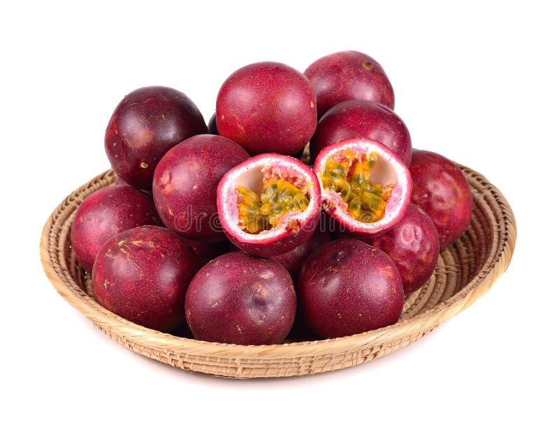 Passionsfrucht getrennt auf weißem Hintergrund lizenzfreies stockfoto
