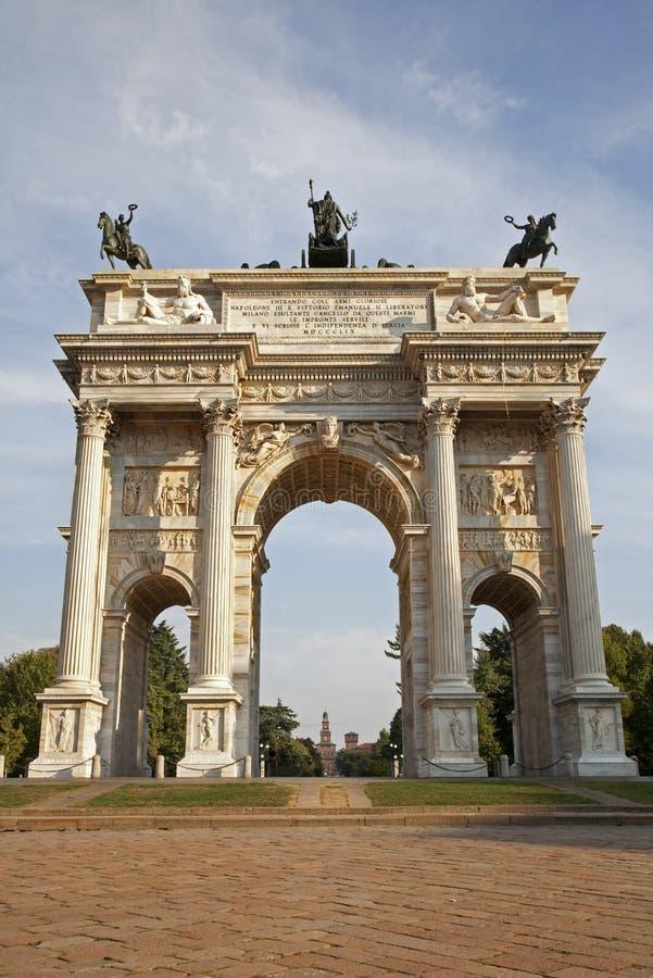 Passo di della del Arco - di Milano - arco di pace immagini stock libere da diritti