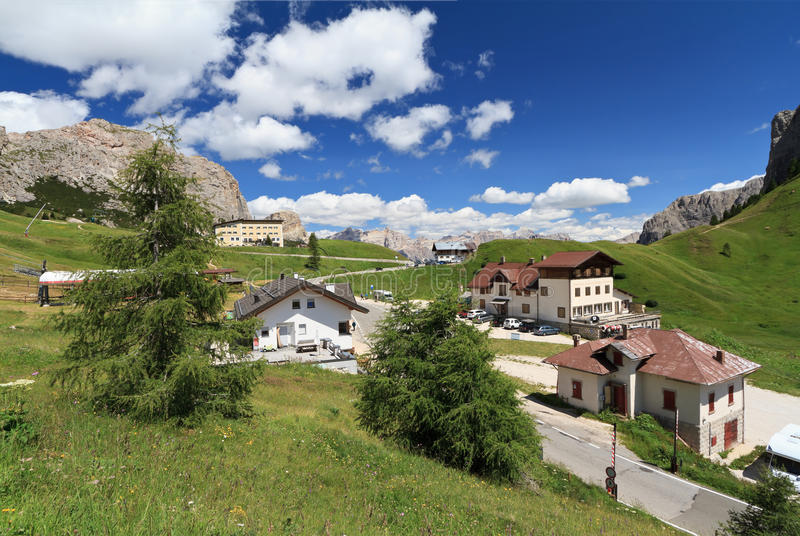 Download Passo Gardena - Gardena Pass Stock Image - Image: 26832731