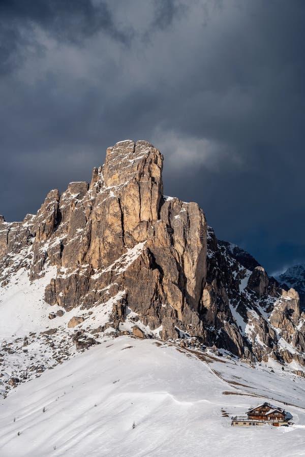 Passo Giau - Dolomit - Italien stockbilder